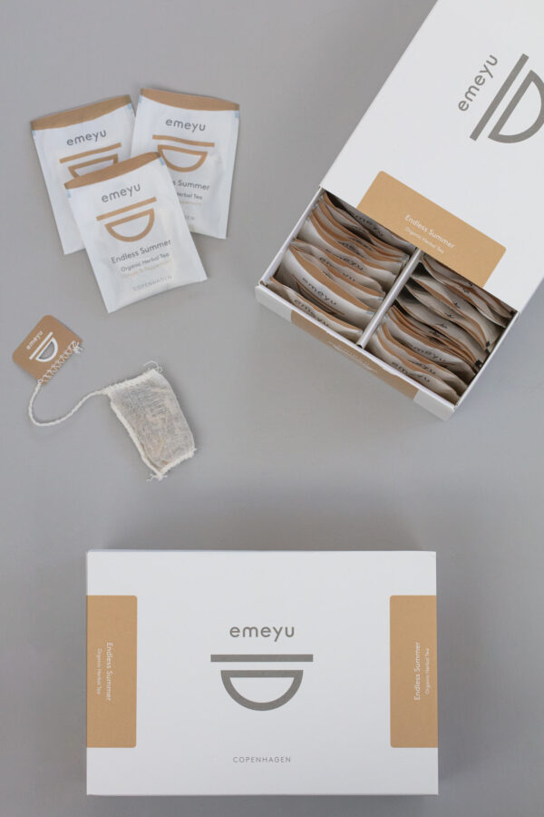 Endless Summer organic herbal infusion ginger and mint in a sustainable box with 50 hand sewn cotton teabags