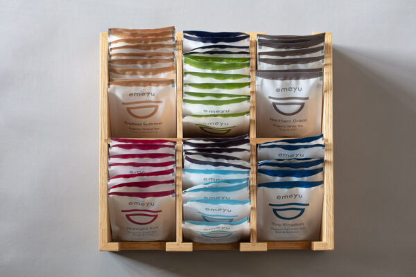 Sustainable Wooden display with 6 rooms for tea foils