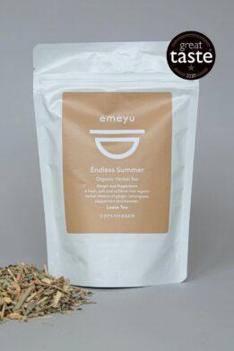 Emeyu's Endless Summer er en forfriskende og læskende økologisk urte te med økologisk ingefær, økologisk pebermynte, økologisk citrongræs og økologisk lavendel. Helt uden koffein. En lækker og god kop urte te til efter mad, da mynten støtter fordøjelsen og ingefær styrker forbrændingen. En af Emeyu's vindere af Great Taste 2020.