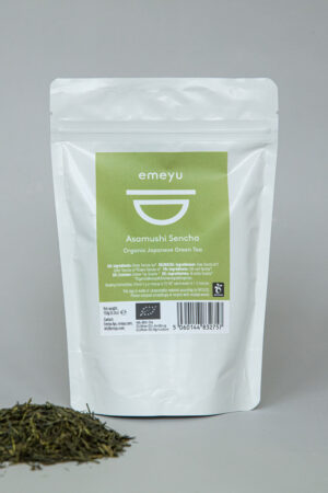 Emeyu's Asamushi Sencha Japanease green tea is an organic whole leaf tea. An exclusive, second flush, slighty steamed green tea with a fresh, mild and grassy taste. The leaves are picked in early summer which also gives the beautiful light yellow colour of the whole leave tea. Rich in antioxidants. 150 g whole organic leaves in a resealable and sustainable doypack packaging.