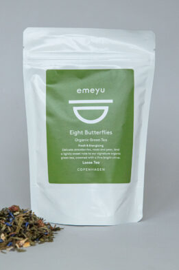 Emeyu's Eight Butterflies is our signature tea. A quality organic green tea, fresh and energizing tea blend with organic strawberry pieces, organic cornflower petals and organic rose petals. 80 g loose weight tea in a resealable and sustainable doypack bag.